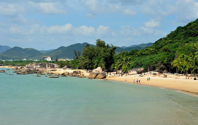 尤以鲍鱼,龙虾,珍珠贝,海蜇和热带观赏鱼为优,是海南古老的海岛渔村之
